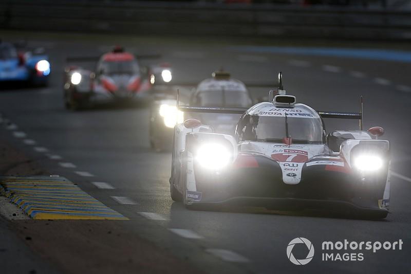 Le Mans: el coche de seguridad dificulta las opciones de Alonso
