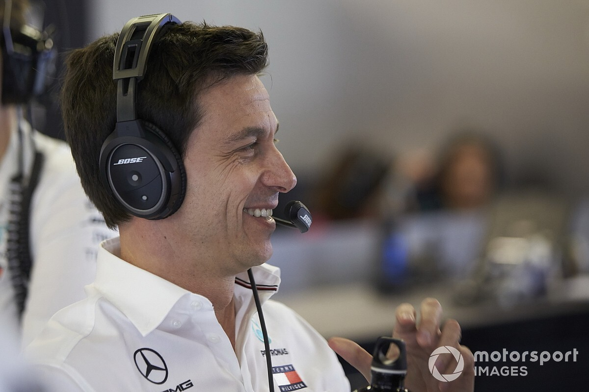 "Racing Point: ""Wolff niet direct betrokken bij F1-team"""