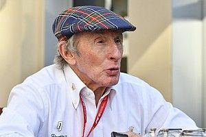 Jackie Stewart is kórházba került