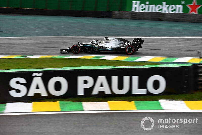 Hamilton supera a Verstappen por 26 milésimas en la 3° práctica