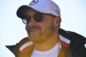 Videó: Bottas hatásos belépője az FIA-gálán