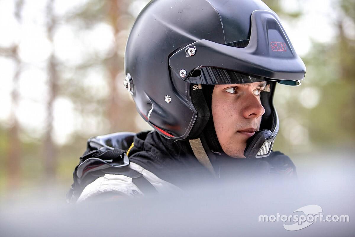 Самый перспективный российский раллист впервые сел за руль автомобиля WRC