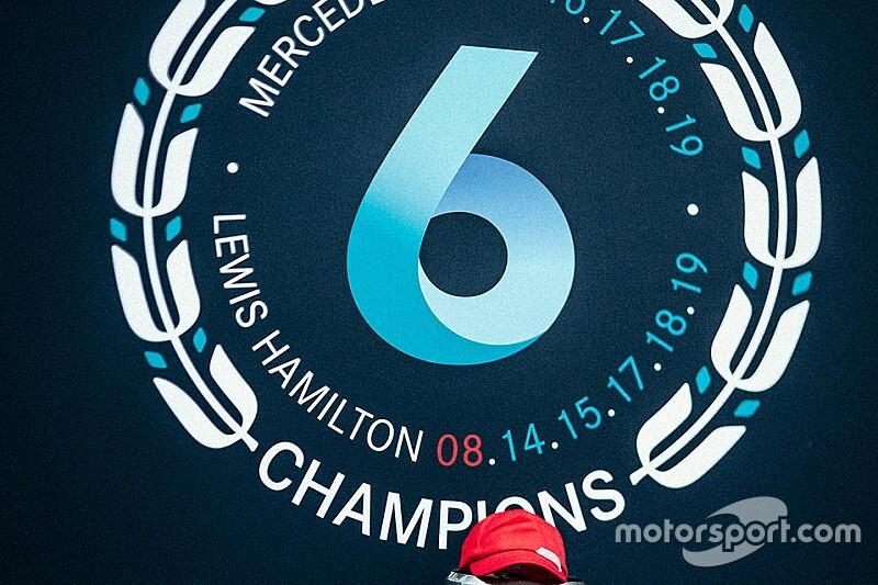 Hamilton vezeti az extra pontok versenyét a Forma-1-ben