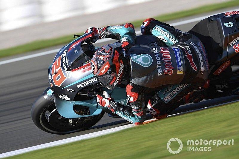 Quartararo lidera el primer libre en Valencia; fuerte caída de Rossi