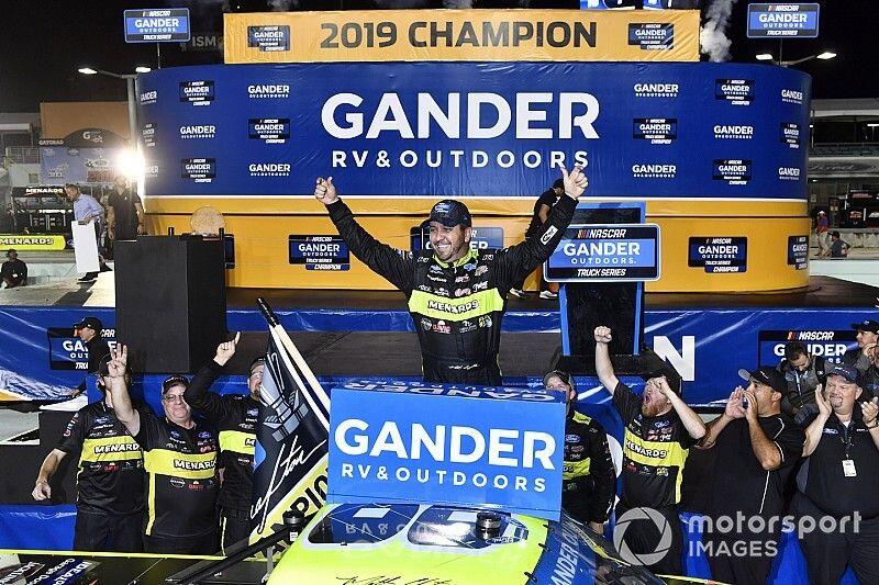 Austin Hill takes Homestead Truck win, Crafton wins title