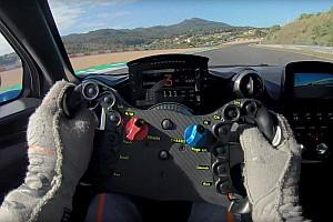 Videó: Bruno Senna kipróbálta a McLaren Senna GTR-t