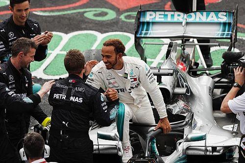 Hamilton nem zárja ki, hogy egy nap elhagyja a Mercedest