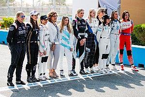 Почти W Series. Фото с тестов гонщиц на новых машинах Формулы Е