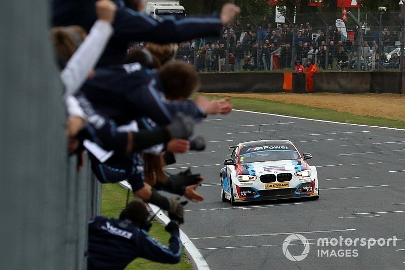 Brands Hatch BTCC: Turkington seals title, Cammish wins Race 2