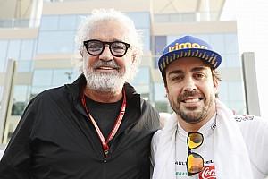 Бриаторе раскритиковал Red Bull за критику Алонсо