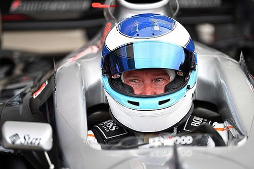 Mika Hakkinen vai disputar as 10 Horas de Suzuka com a McLaren