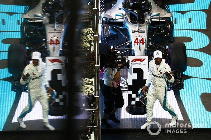 Hamilton ganó y se sumó a la fiesta de despedida de Alonso de la F1