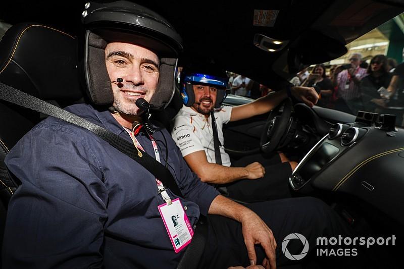 """Jimmie Johnson está listo para la experiencia """"real"""" después de la visita al simulador de F1"""