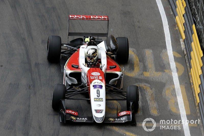 Macau GP: Schumacher returns to the top