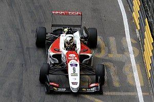 Шумахер испортил круг Шварцману в квалификации Гран При Макао: он не заметил у себя прокол