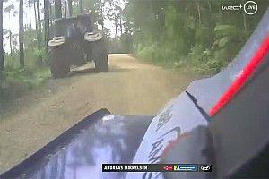 Un tractor desconcentra a Mikkelsen y provoca su abandono