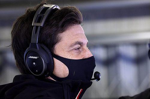Wolff, yarış ortasında Bottas ile konuştuğu radyo mesajlarını gözden geçirecek