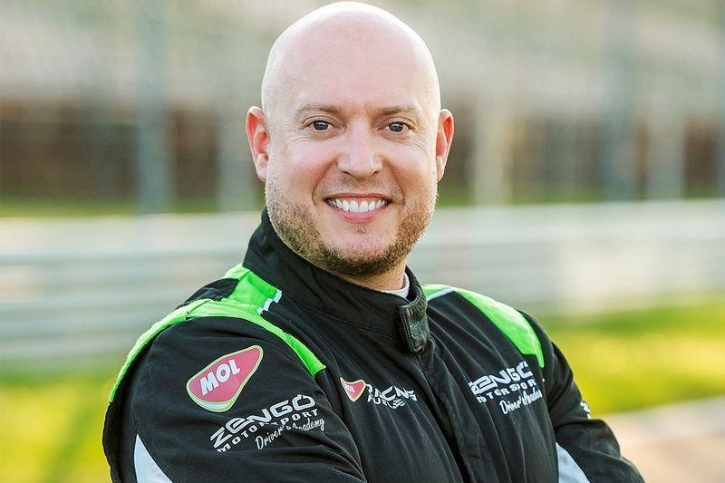 Rob Huff torna nel WTCR con la Cupra della Zengo Motorsport