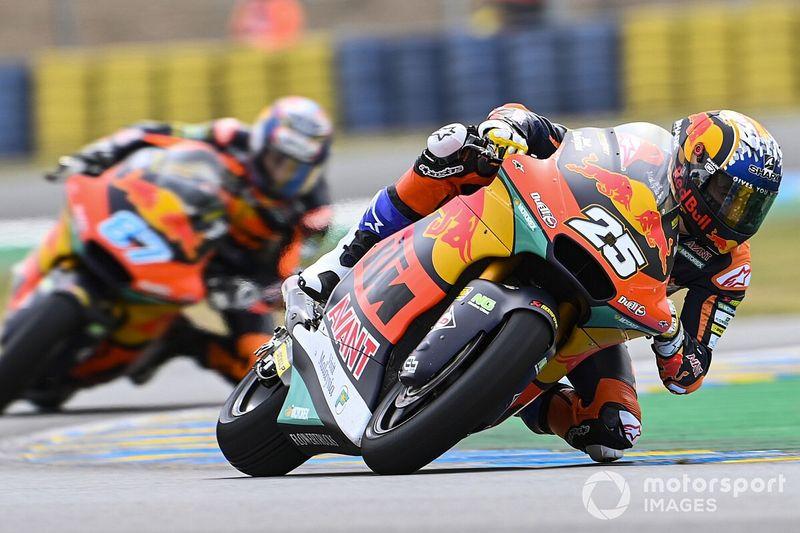 Moto2 - Francia: Raúl Fernández resiste a Gardner para ganar