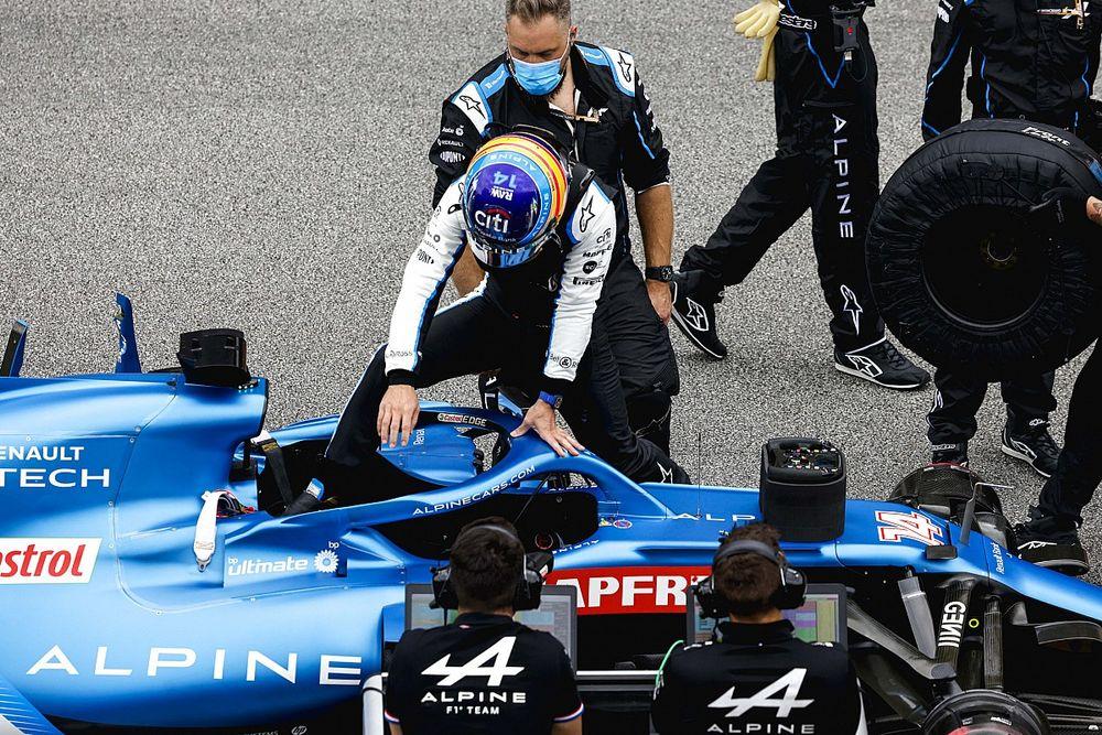 """Alonso: """"Mi 100% actual aún no es suficiente para alcanzar a Ocon"""""""