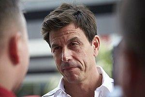 «Шансом набрать дополнительные семь очков нужно пользоваться». Вольф объяснил командную тактику Mercedes