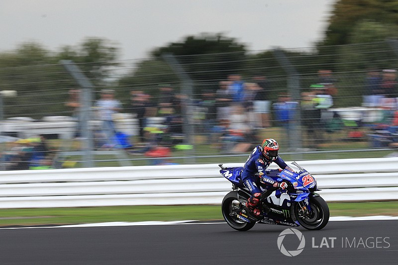 Viñales snelste in droge warm-up op Silverstone