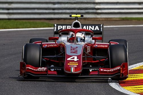 """De Vries na eerste F2-pole Spa: """"En nu vol voor de winst"""""""