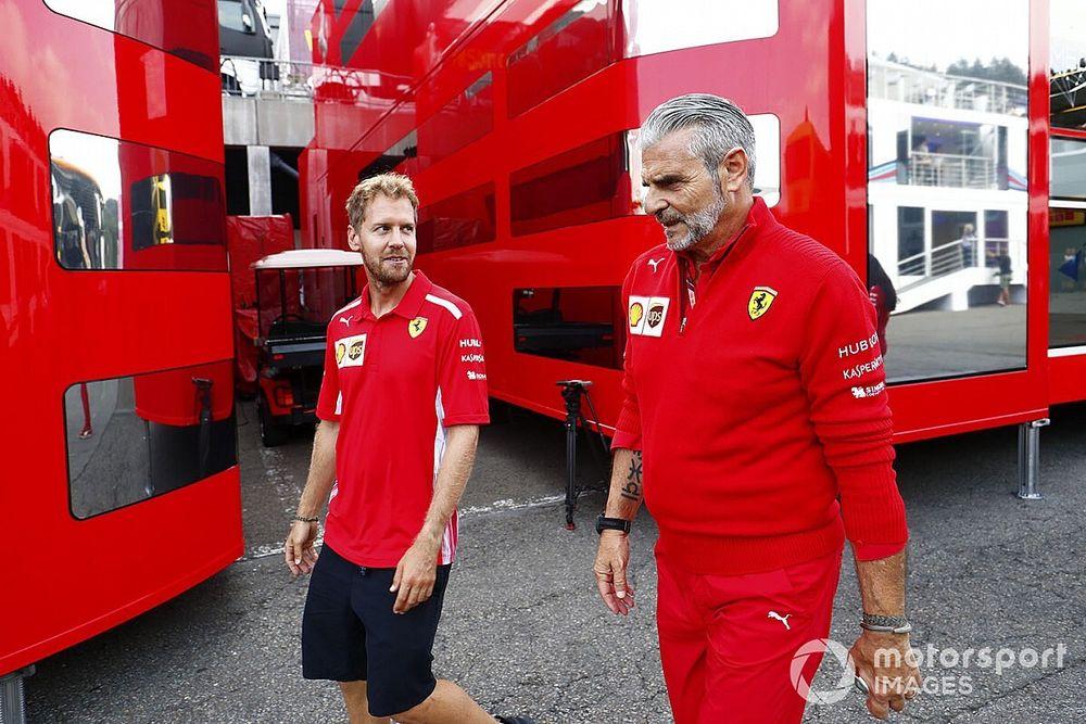 Vettel megnevezte a két, számára legfontosabb embert a Ferrarinál