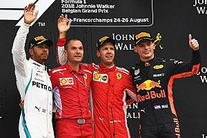 """Coronel: """"Vettel wordt kampioen, maar Max doet dingen die anderen niet doen"""""""