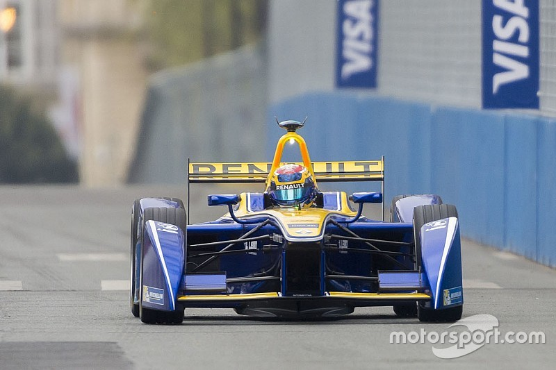 Berlin ePrix: Buemi wins as Abt defies team order