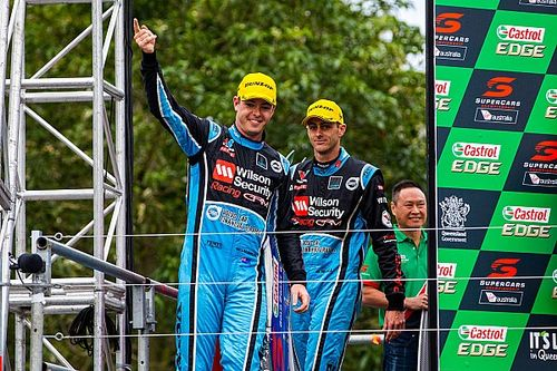 Wall, Russell closing in on Supercars endurance seats