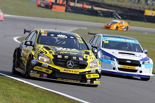Brands Hatch BTCC: Morgan holds off BMW pair to win final race