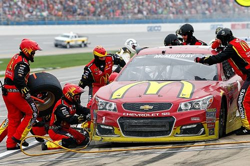 McMurray escapes Talladega with a much-needed top five