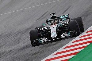 Hamilton mantém domínio e lidera sexta-feira na Áustria
