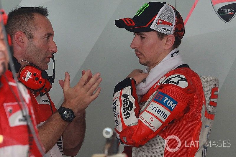 VIDEO: Ducati lakukan team order?