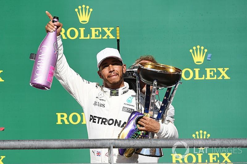 """Hamilton: """"Pensavo che Vettel si sarebbe difeso più duramente"""""""