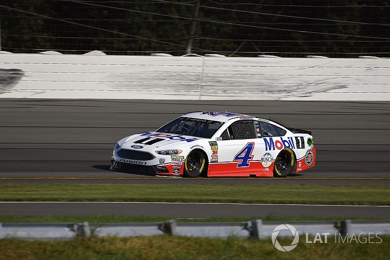 Kevin Harvick wins Stage 2 over Chase Elliott at Pocono