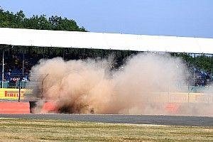 Hamilton-Räikkönen sorrend az időmérő előtt: óriási baleset Silverstone-ban
