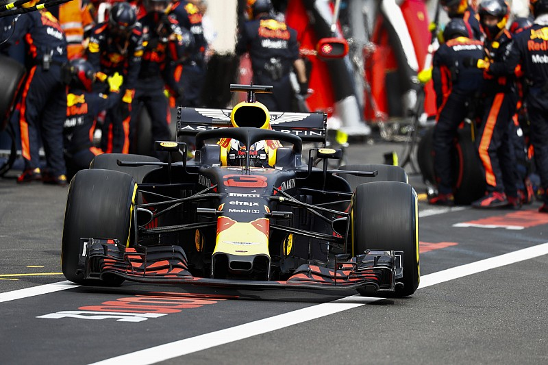 Fotókon: így esett szét Ricciardo első szárnya a Francia Nagydíjon