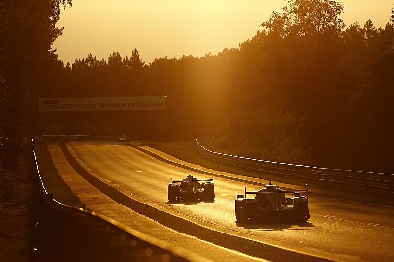 Le Mans 24 Saat - 7. Saat: Gün batımı ile birlikte Toyota'nın liderliği devam ediyor