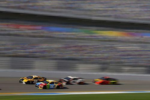 GALERÍA: La acción sabatina en NASCAR