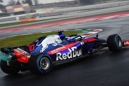 Toro Rosso Honda acaba líder la primera mitad de jornada en mojado