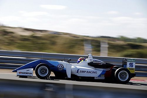 EK F3 Zandvoort: Troitckii wint ingekorte derde race