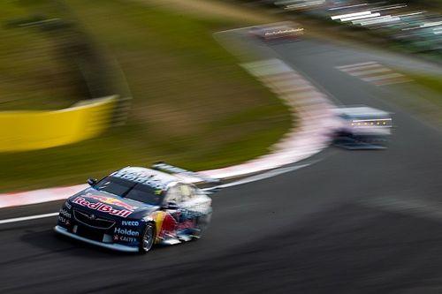 Уинкап выиграл первую гонку Supercars в «Симмонс Плейнс»