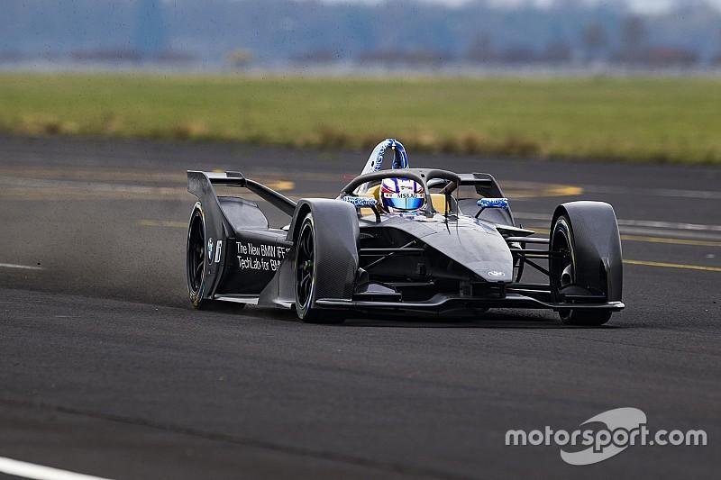 Pályára gurult a BMW saját Formula E-autója, az iFE.18