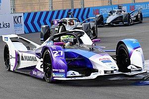 Mercedes вышла в лидеры Формулы Е на второй день участия в турнире (благодаря штрафу пилота BMW)