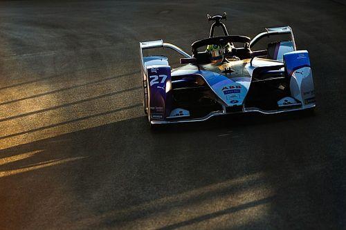 Diriyah E-Prix: BMW, Sims ile Mercedes'in önünde pole pozisyonunda