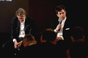Wolff ya inició las negociaciones con Mercedes para su futuro