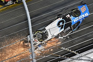 Galería: la terrible secuencia del accidente de NASCAR