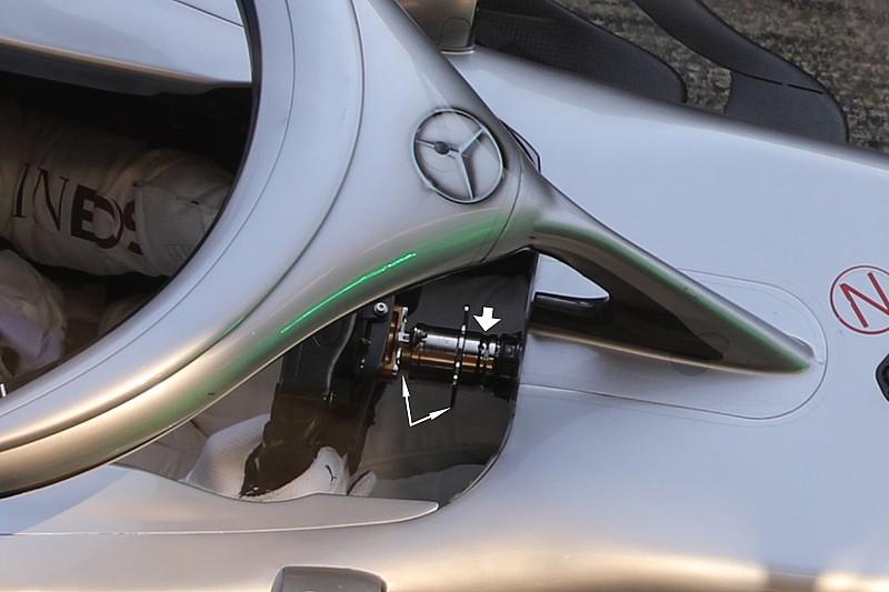 Mercedes: ecco il volante mobile provato da Hamilton!